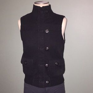 Fleece lined zippered vest with pockets